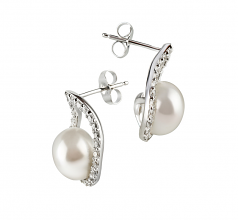 9-10mm AA Quality Freshwater Cultured Pearl Earring Pair in Isabella White