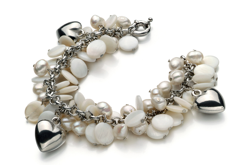 6-7mm A Quality Freshwater Cultured Pearl Bracelet in Harmony White